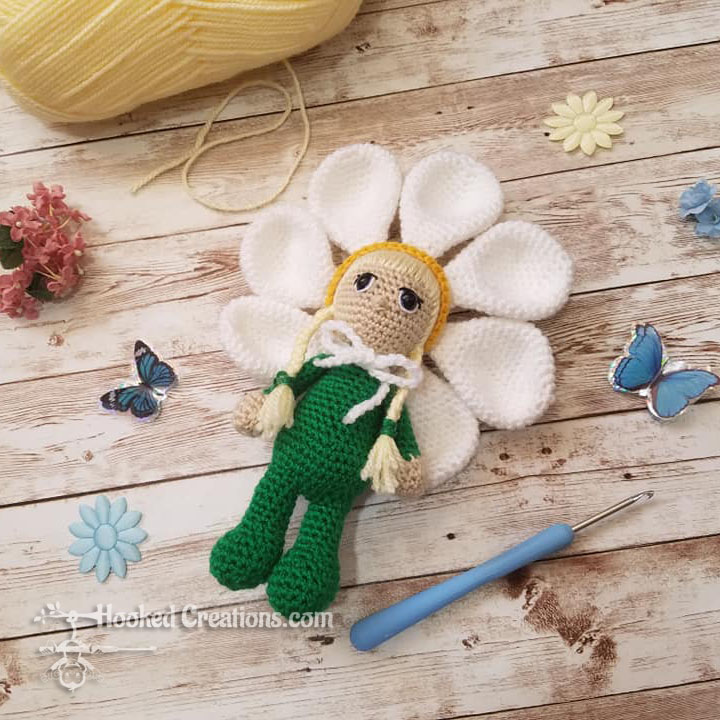 Daisy Girl Crochet Pattern - Amigurumi - PDF Download